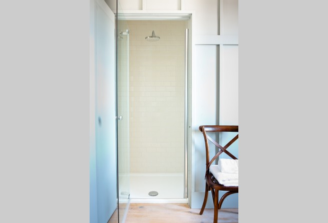 East loft suite shower