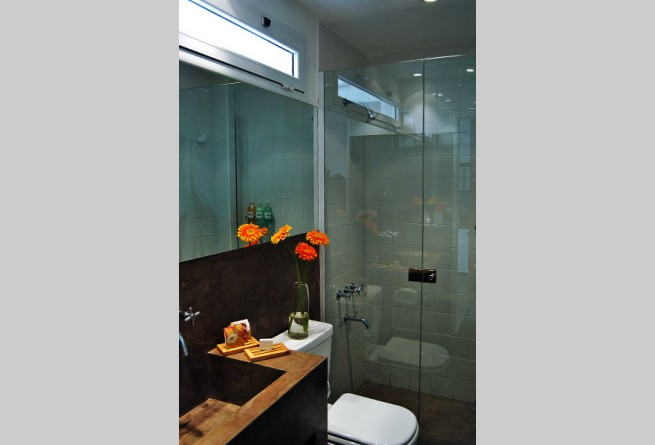 Loft 1 shower room