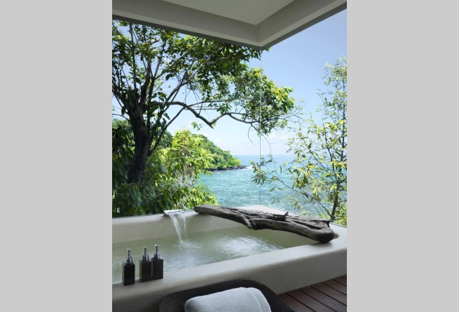 Two-bedroom Jungle Villa bathroom