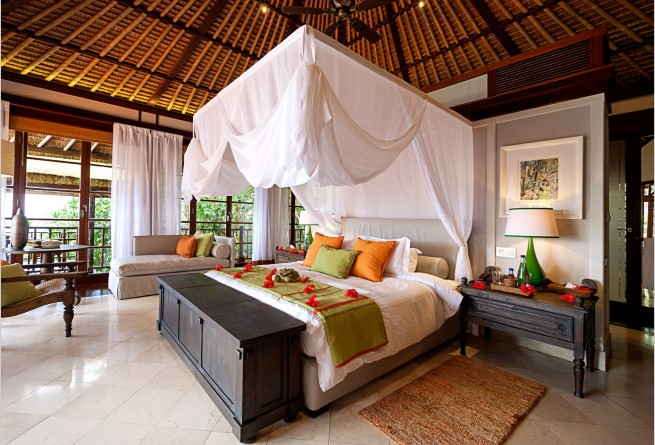 Private Pool Residence bedroom