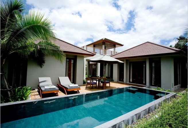 One-bedroom Deluxe Pool Villa swimming pool