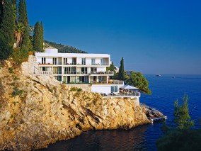 20% off five-night stays or more