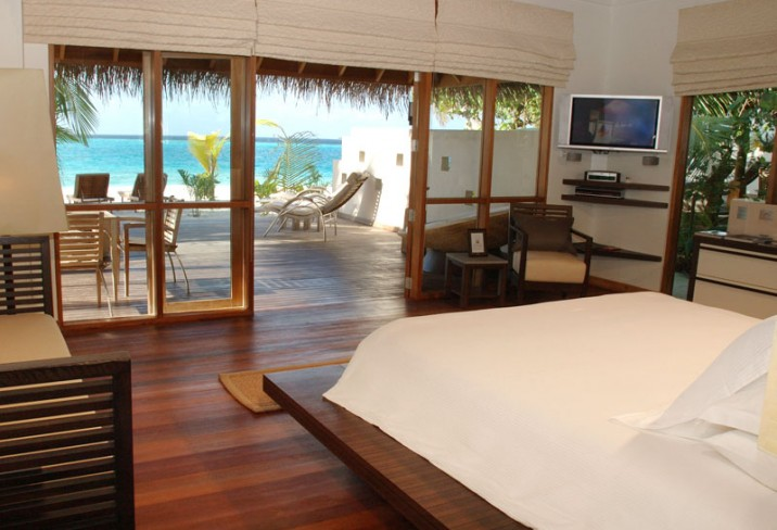 Mr & Mrs Smith - Deluxe Beach Bungalow bedroom