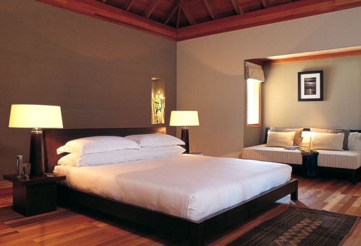 Mr & Mrs Smith - Lagoon Bungalow bedroom