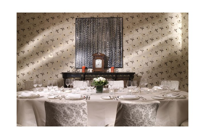 Mr &amp; Mrs Smith - Lord Byron Room