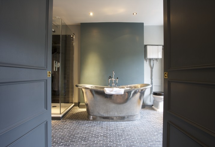 Mr & Mrs Smith - Excellent Room bathroom (Room 1)