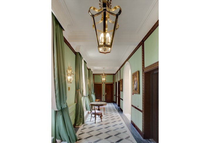 Mr & Mrs Smith - Villa Eugenia Corridor