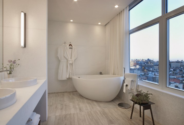 Mr & Mrs Smith - Penthouse Suite bathroom