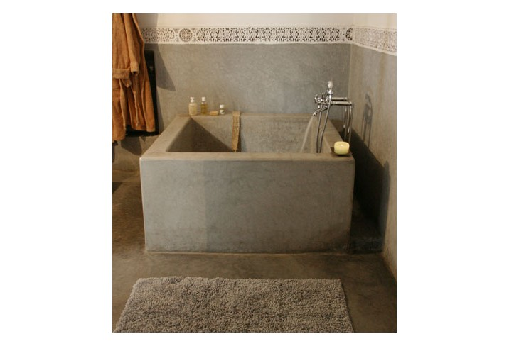 Mr &amp; Mrs Smith - Karma Suite bathtub