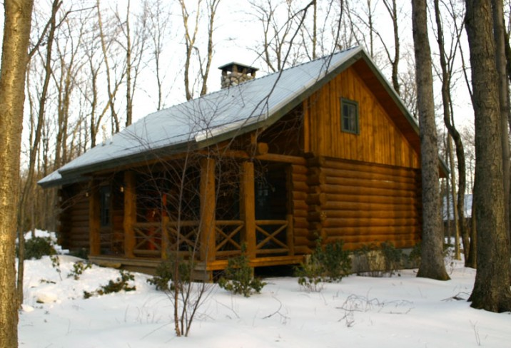 Mr & Mrs Smith - Log Cabin exterior