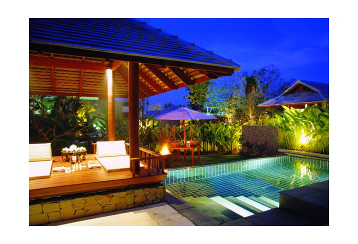Mr & Mrs Smith - Pool residence