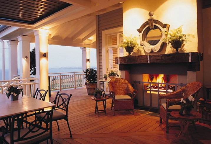 Mr & Mrs Smith - Veranda fireplace