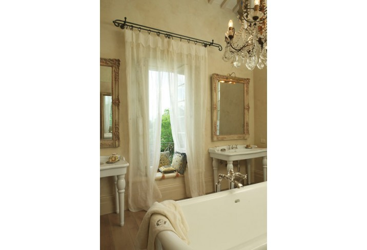 Mr & Mrs Smith - Santo Pietro Grand Suite Bathroom