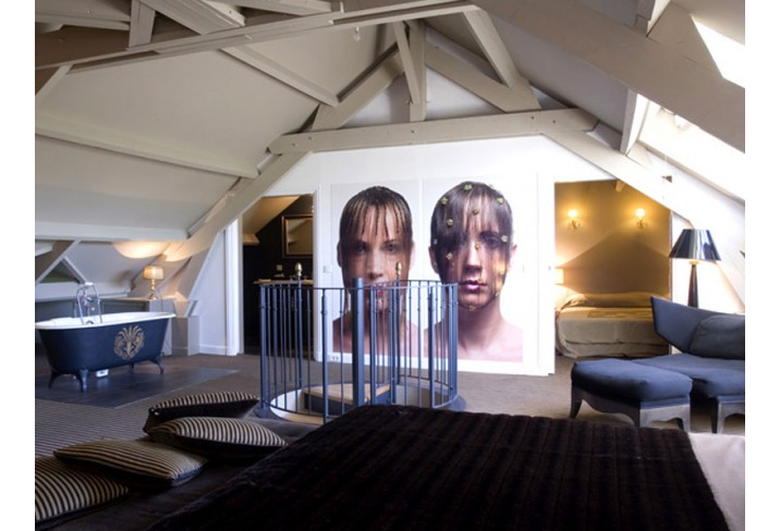 Mr & Mrs Smith - 'Curtain of Hair' bedroom