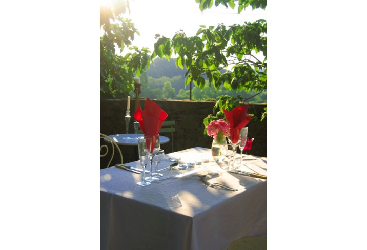 Mr & Mrs Smith - Outdoor dining