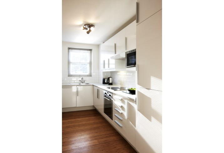Mr & Mrs Smith - One bedroom apartment kitchen