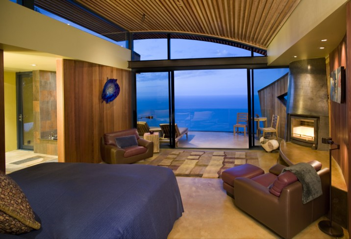 Mr & Mrs Smith - Cliff House bedroom