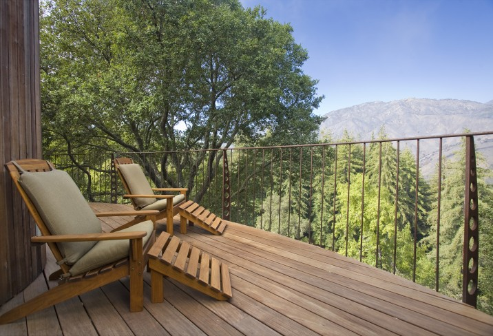 Mr & Mrs Smith - Mountain House deck