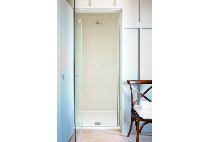 Mr & Mrs Smith - East loft suite shower