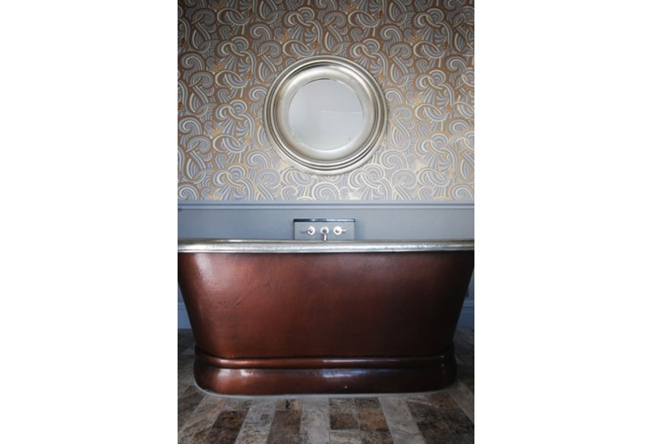 Mr & Mrs Smith - Room 3 copper bath