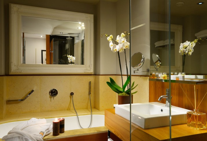 Mr & Mrs Smith - Studio Suite bathroom