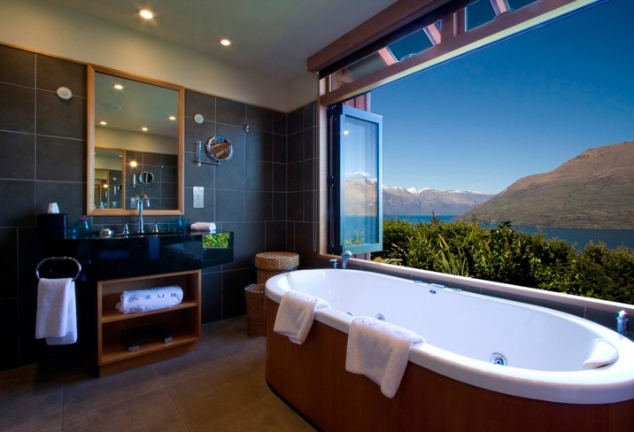 Mr &amp; Mrs Smith - Luxury Villa bathroom