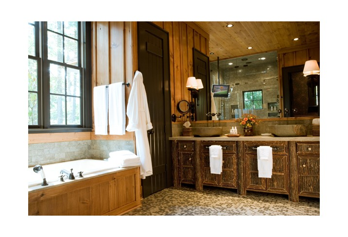 Mr & Mrs Smith - Cottage bathroom